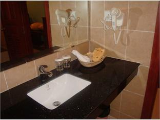 Wenzhou Business Hotel Phnom Penh - Bathroom
