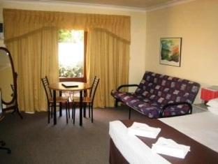 Parkway Motel Canberra - Spa Room