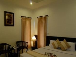 โรงแรมพร้อมสุขบุรี