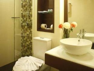 Suvarnabhumi Suite guestroom junior suite