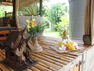 Alumbung Tropical Living Bohol - Lobby