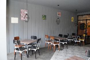 Front One Inn Jombang