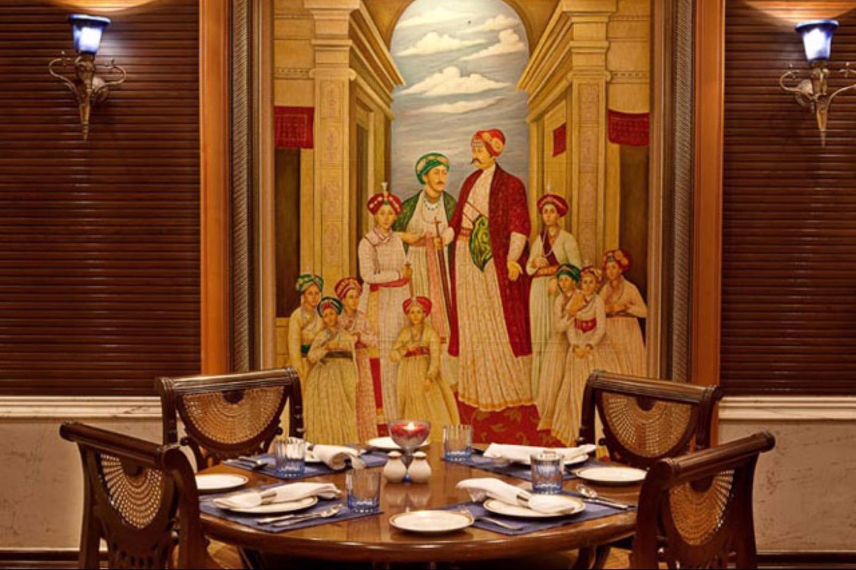 Bristol Hotel Gurgaon Restaurant