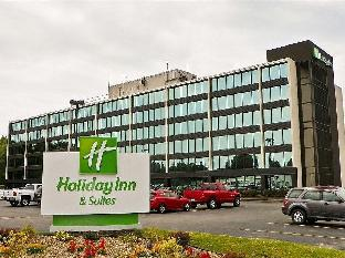 Holiday Inn and Suites Charleston West