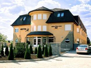 Hotel-M