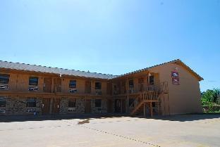 Coach Light Inn