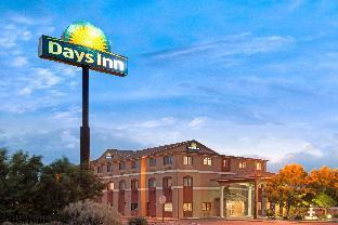 Days Inn by Wyndham Bernalillo