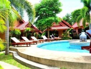 Happy Elephant Resort Phuket - Bể bơi