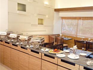 Hotel Park Prime Goa Utara - Restoran