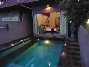 Bali Elephants Boutique Villa Jimbaran Bali - Swimmingpool