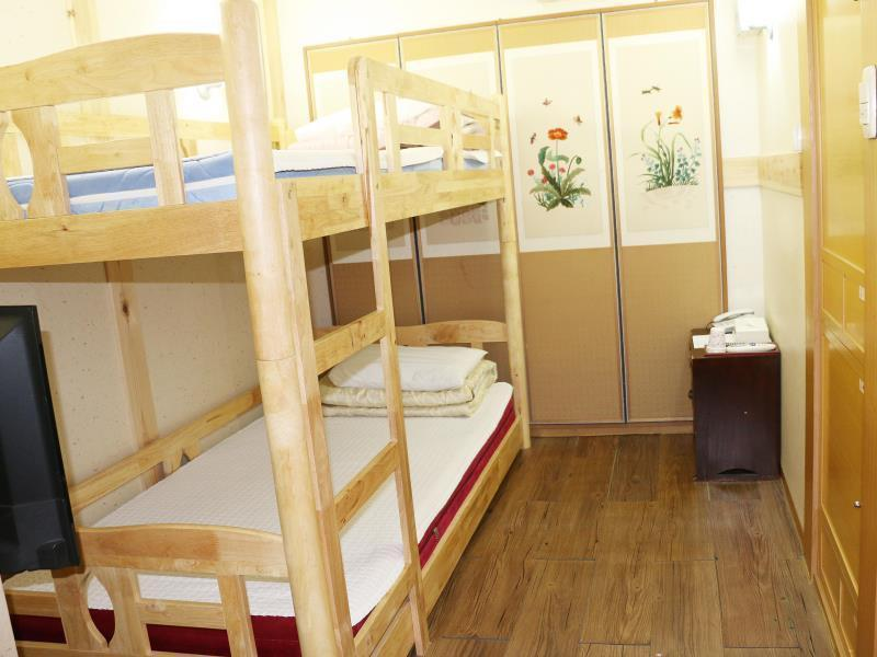 Economy Twin Bed Room - Bunk Beds
