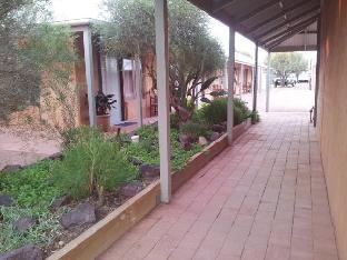 Mud Hut Motel3