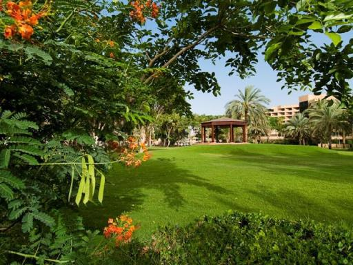 Best guest rating in Al Ain ➦ Mercure Grand Jebel Hafeet Hotel takes PayPal