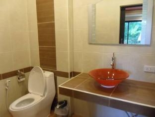 Manohra Cozy Village Phuket - Bathroom