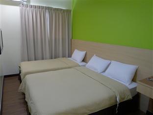 Malaysia Hotel Accommodation Cheap | Maxim Hotel Kota Kinabalu Kota Kinabalu - Family Room