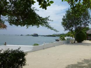 Talima Beach Villas & Dive Resort Cebu - Pantai
