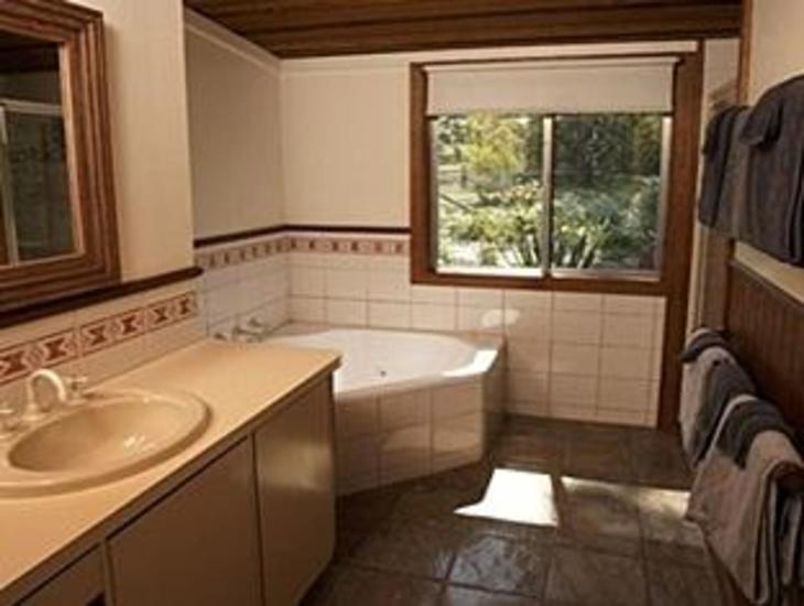 Wombat Hills Cottages photo 4