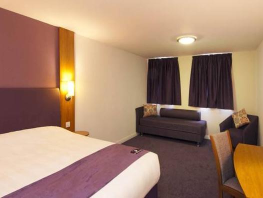 Premier Inn Swansea Waterfront Swansea 3 Star Hotel In Swansea