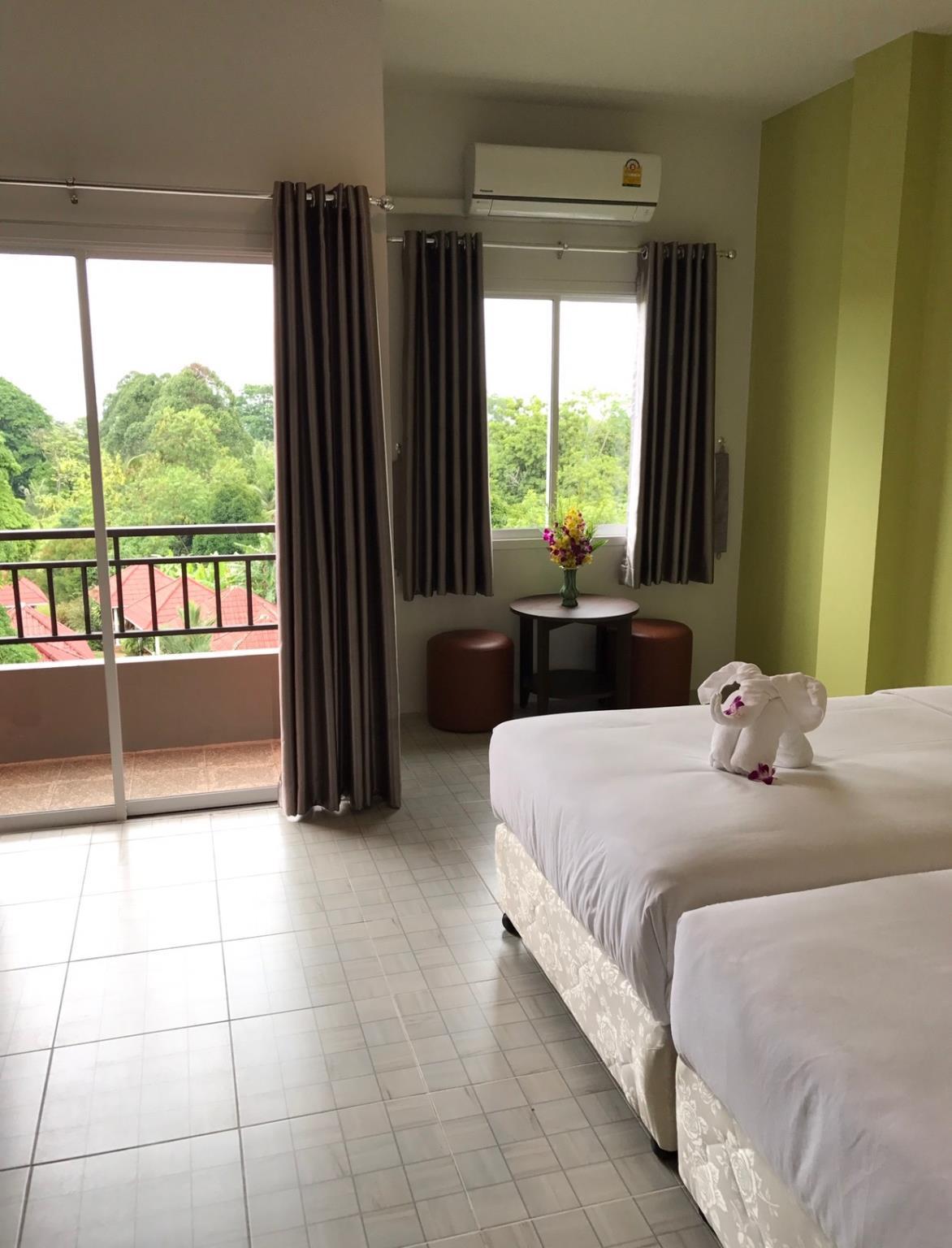 Khao Lak Good View Mansion