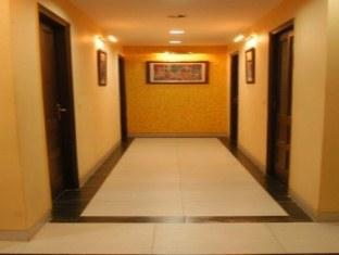 Hotel Iris - A Unit Of Barn Hotels New Delhi and NCR - Corridor