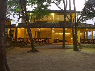 Maruni Sanctuary Lodge Chitwan National Park - Área de Estar Executiva