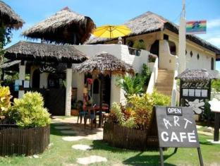 Charts Resort & Art Cafe Bohol - Exterior
