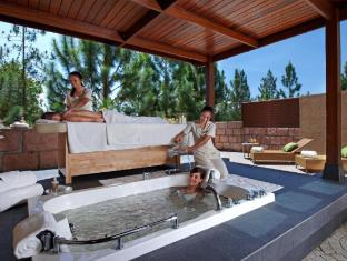 The Chateau Spa & Organic Wellness Resort Kuala Lumpur - Outdoor Jacuzzi at Spa Suite