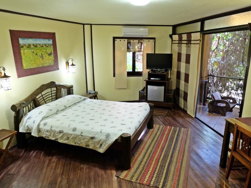 ボホル ビー ファーム ホテル (Bohol Bee Farm Hotel)