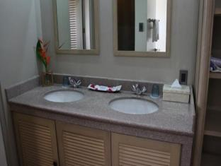 Linaw Beach Resort and Restaurant Bohol - Bathroom