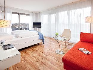 Pestana Berlin Tiergarten guestroom junior suite