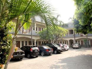 Genteng Ijo Residence Room 10