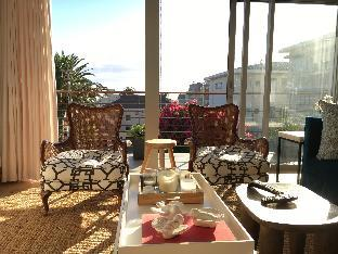 Sunny 2 bedroom Apartment in Green point