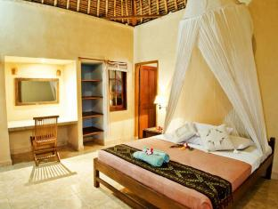 Mushroom Beach Bungalows Bali - Standard Double Bed room