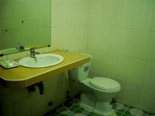 Champs Elysee Hotel III Phnom Penh - Bathroom