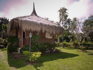 Villa Crisanta Batangas - Deluxe Fan Bungalow