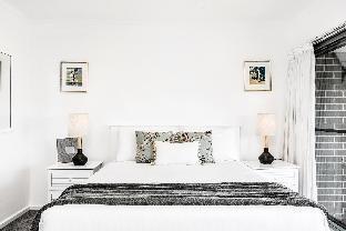 11 James Cook Apartment2