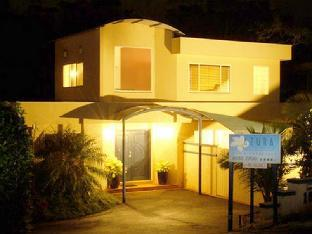 Azura Beach House Bed & Breakfast