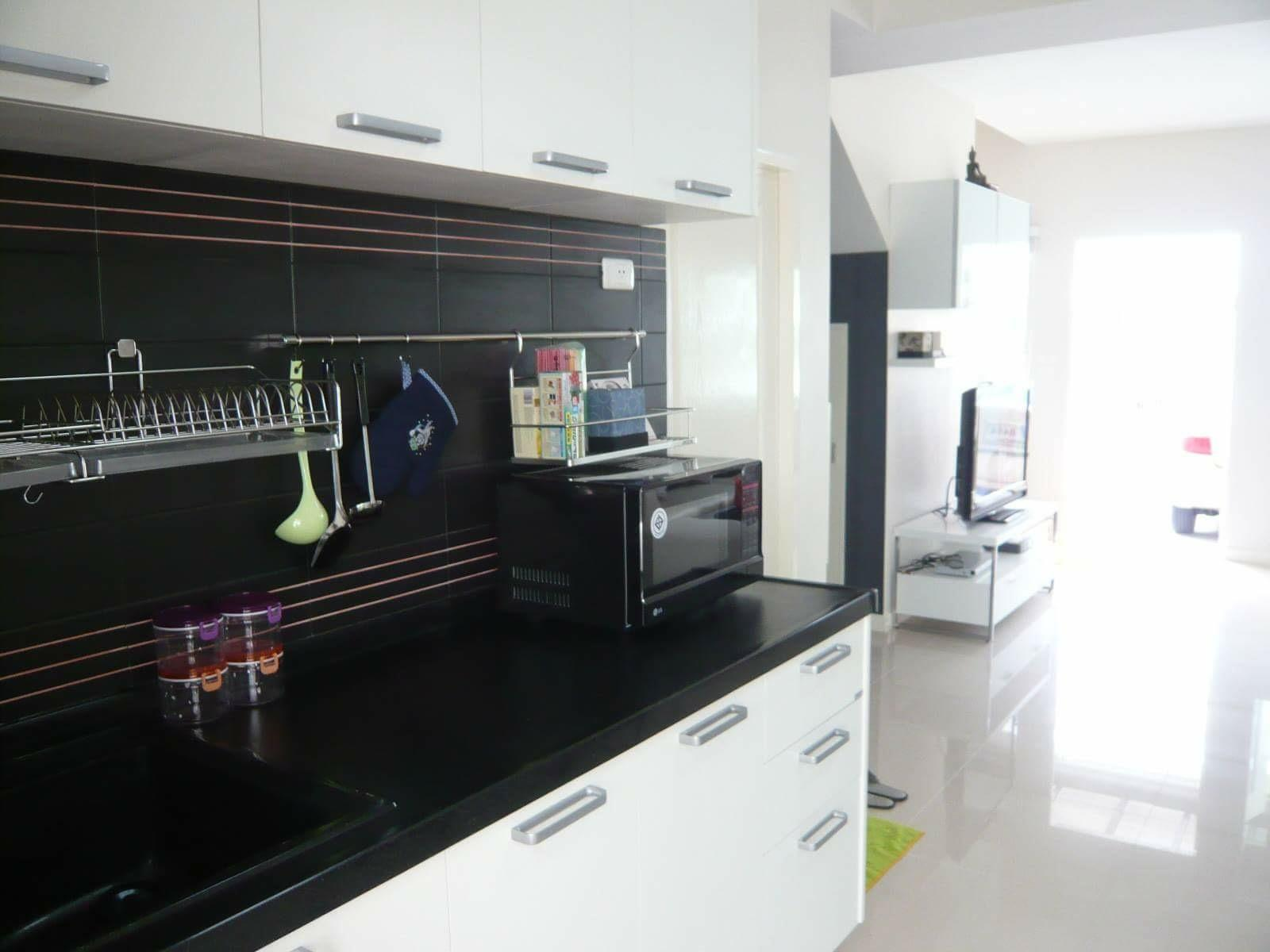 Town home 3 bedrooms near Airport Rail Link