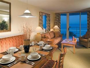 Shore Crest Vacation Villas Hotel Myrtle Beach (SC) - Living and Dining Area