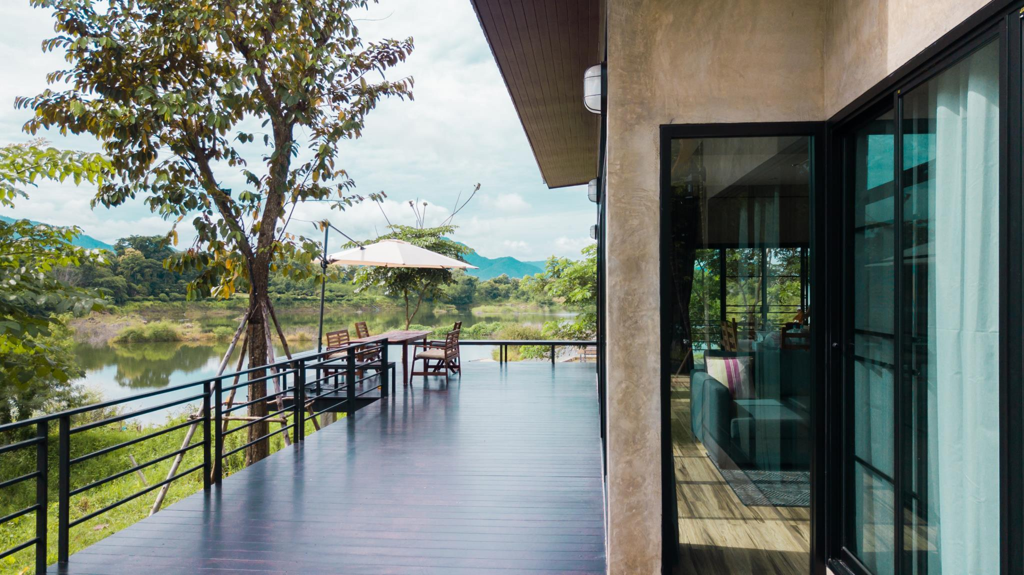 Lake and mountain view Villa Chiang Mai Mae On
