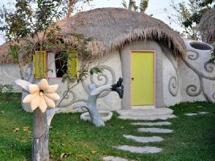 Naidee Sculptured Huts @ Vic Hua Hin discount
