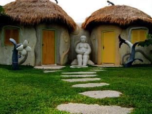 Naidee Sculptured Huts @ Vic Hua Hin 3 star PayPal hotel in Hua Hin / Cha-am