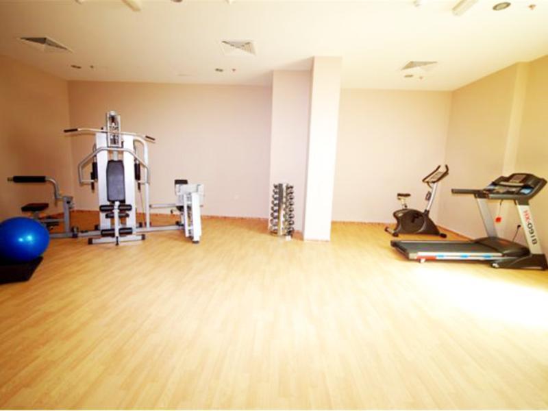 Al Bustan Tower Hotel Suites - Fitness Room
