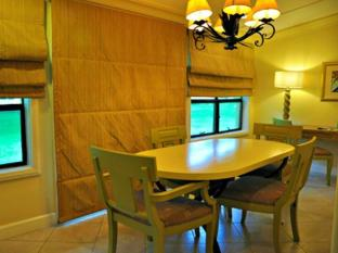 Montevista Villas Angeles / Clark - Executive Suite Villa