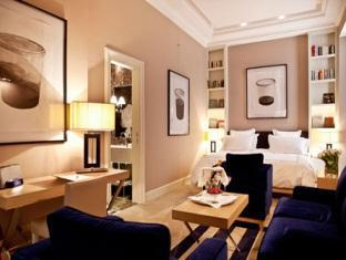 The First Luxury Art Hotel Roma - Member of Preferred Boutique Hotels Rome - Junior Suite
