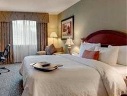 ➦  Hilton Worldwide    (Idaho) customer rating
