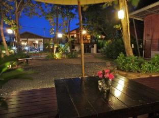 Dacha Resort Phuket - Terrace