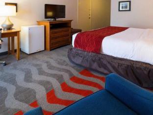 Interior Comfort Inn and Suites Airport Syracuse