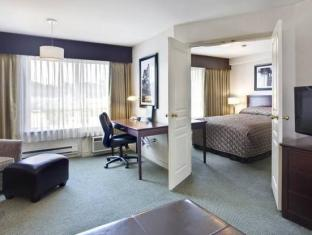 Sandman Hotel Langley Vancouver (BC) - Suite Room