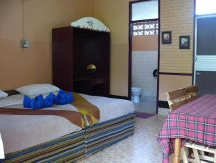 Hollanda Montri Guesthouse Chiang Mai - Svečių kambarys